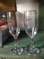 97x Champagne Glasses