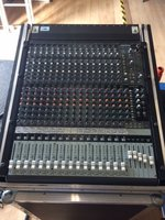 Mackie Onyx 1640 Firwire 16 channel Analog Mixing desk