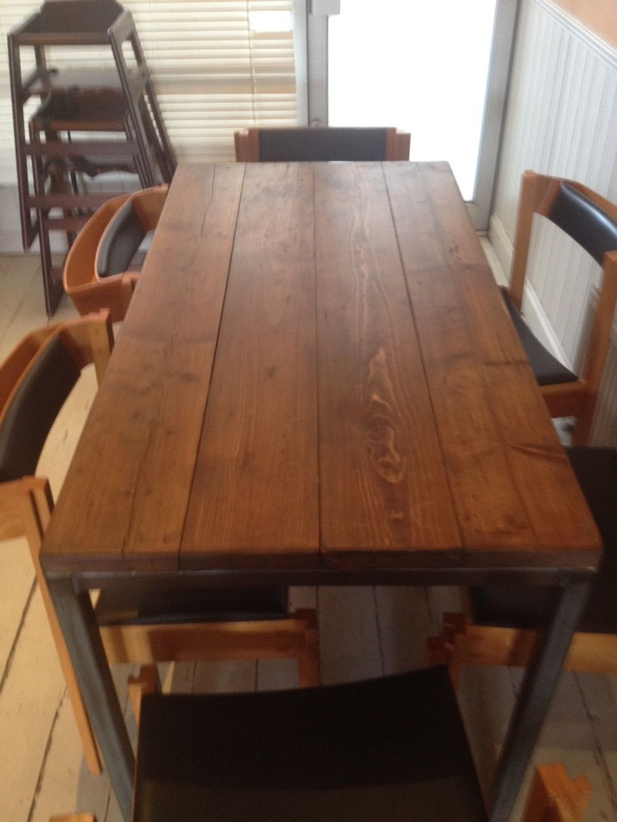 Secondhand hotel furniture dining tables reclaimed for Furniture 2nd hand