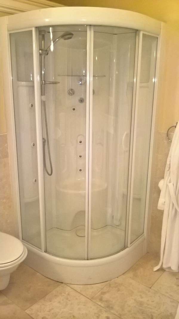 Complete Superior Bathroom Set Shower