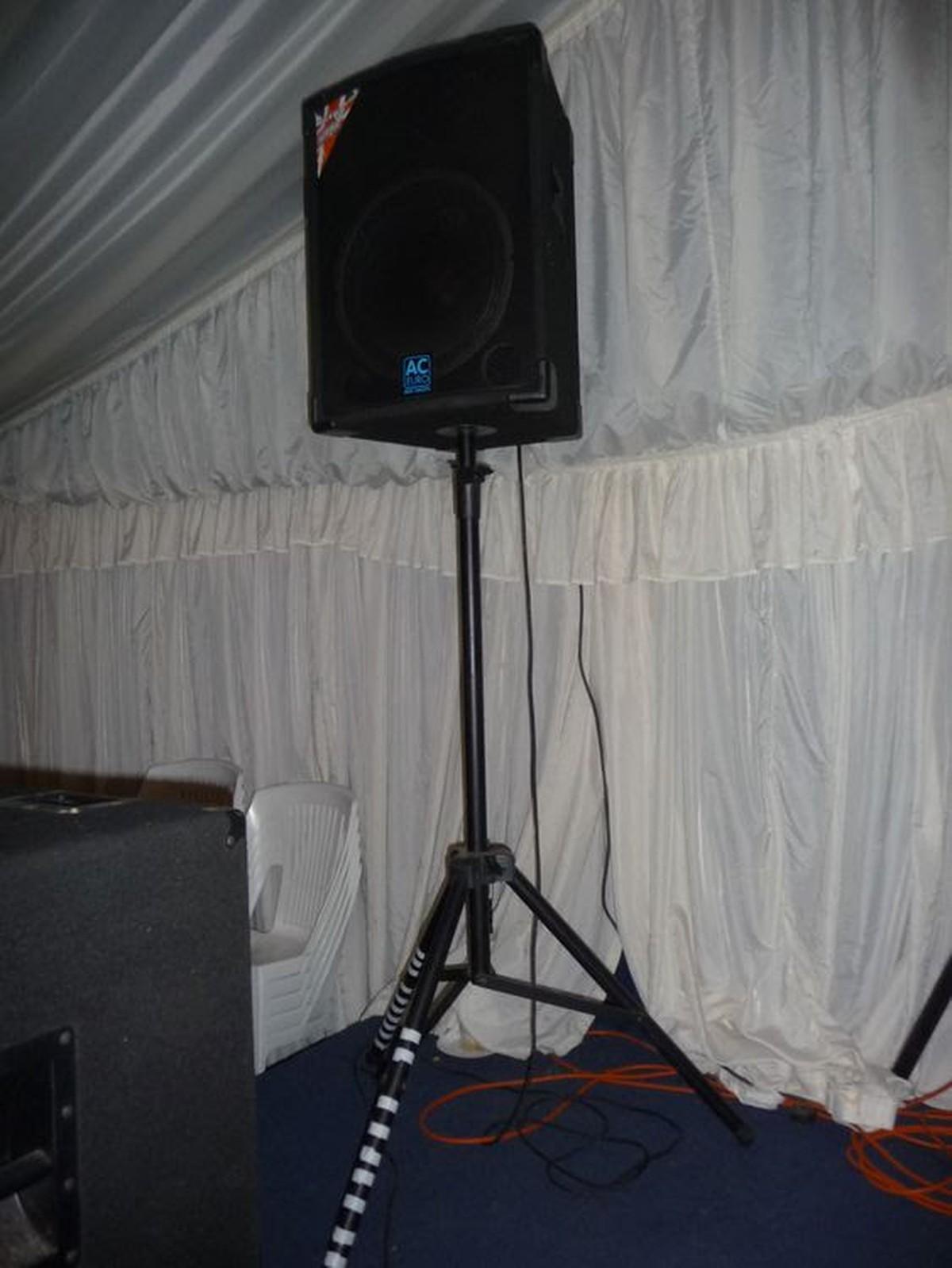 secondhand sound and lighting equipment dj equipment full disco set of equipment. Black Bedroom Furniture Sets. Home Design Ideas
