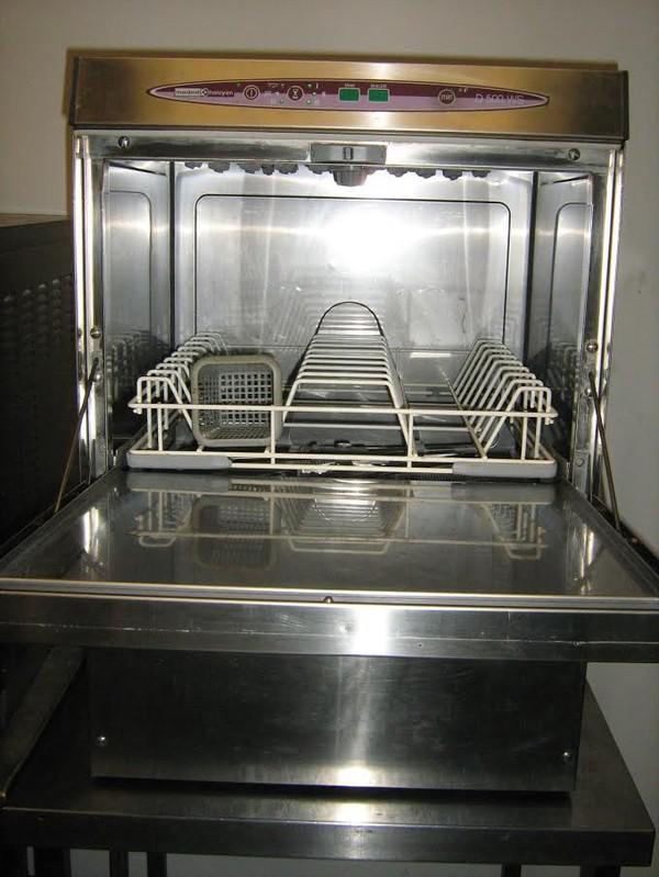 Table Top Dishwasher London : ... Front Loading Dish Washers Maidaid D500WS Dishwasher - London