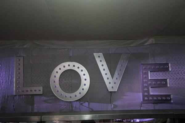 "Large illuminated ""LOVE"""