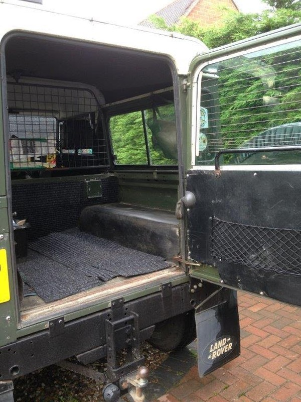 Defender station waggon