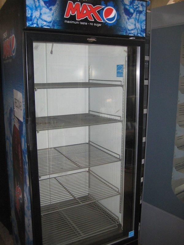 Secondhand pub equipment bottle fridges for 1 door display chiller