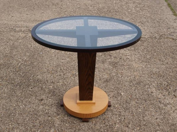 20x Oval Pedestal Glass Topped Drinks Table