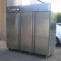 Desmon GM21C Triple Door Upright Refrigerator