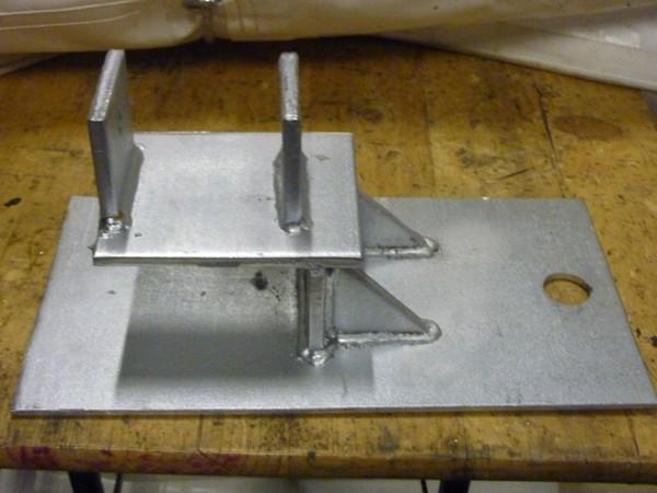 Cassette flooring base plates