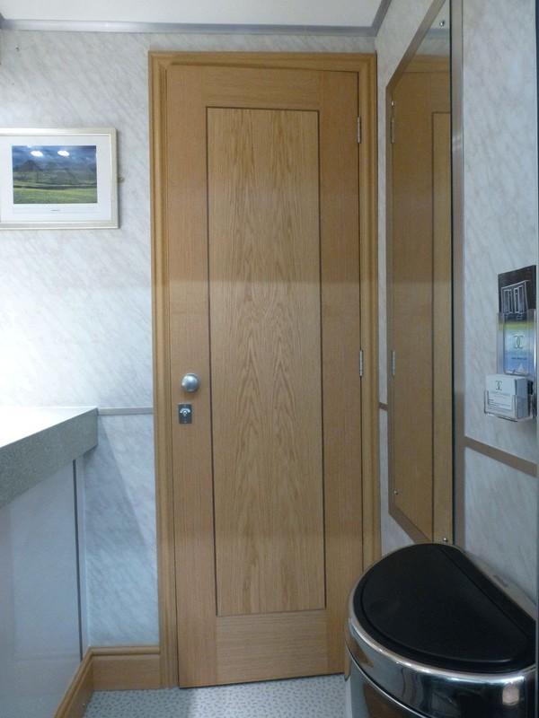 1+1 Luxury Toilet Trailer