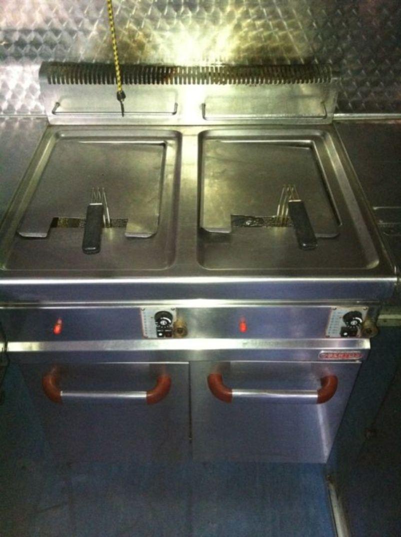 secondhand catering equipment fryers bertos gl20 20m gas fryer swansea. Black Bedroom Furniture Sets. Home Design Ideas