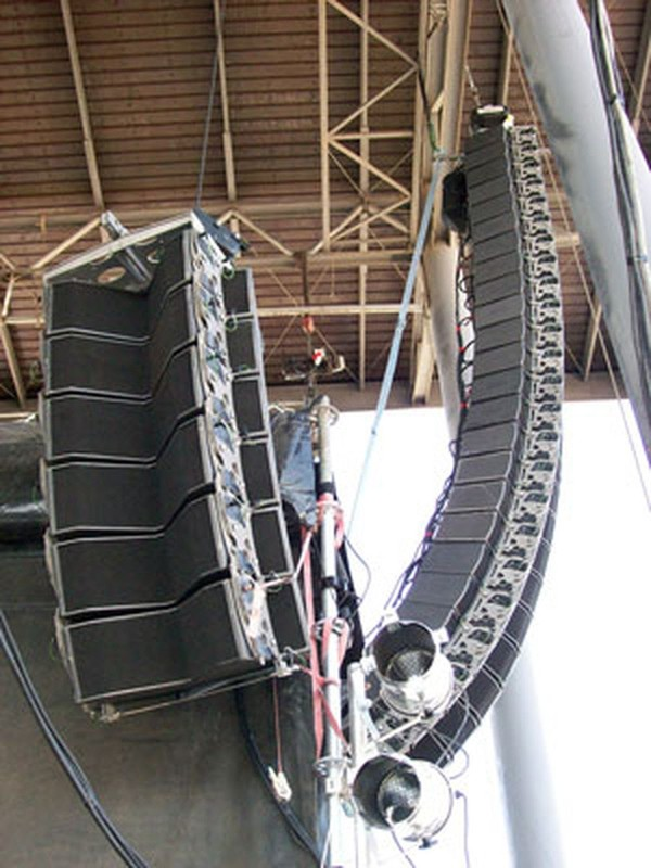 Line Array LS4 32,000Watts Real Line Source Array