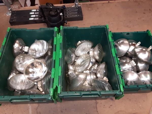PAR64 lamps