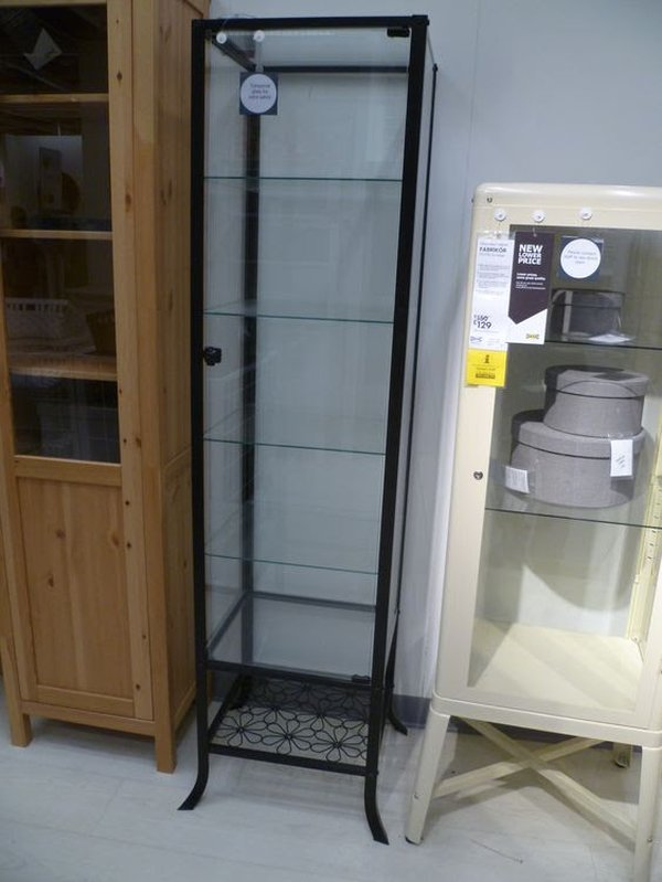 Product display case