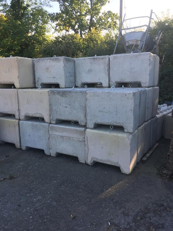 Concrete marquee weights