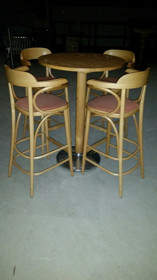 High drinks table with 4 high Fan back armchairs - Derby