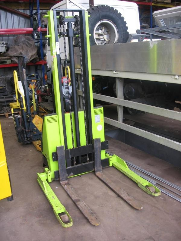 Straddle Gx12 Pedestrian Forklift