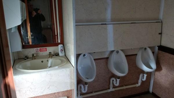 3 plus 2 luxury toilet trailer