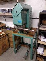 Tucker 2000 eyleting machine