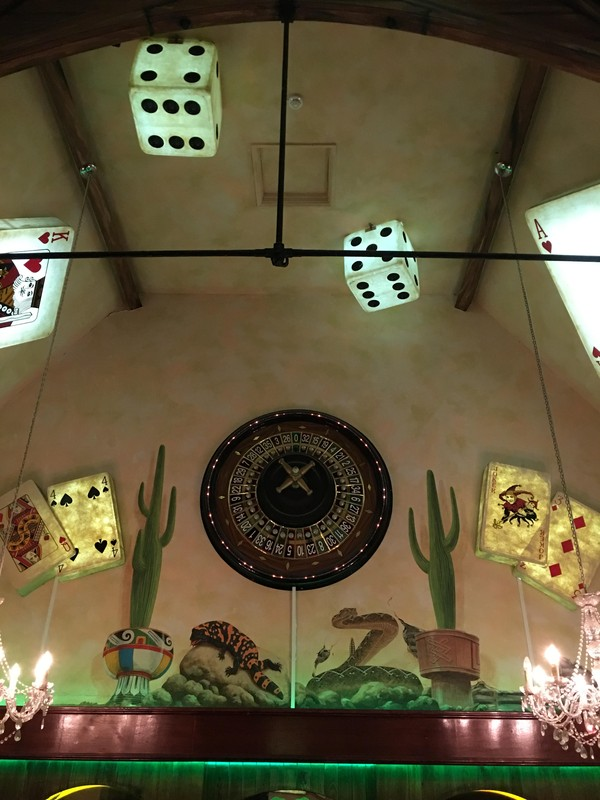 King of hearts illuminated decor