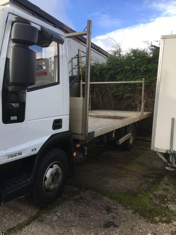 Toilet transport truck