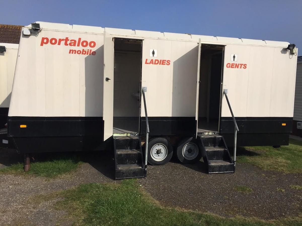 Mobile Trailer Unit : Secondhand toilet units trailers