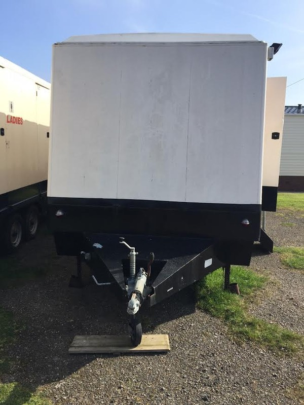 Portaloo 3 + 2 Toilet Trailer Mobile Toilet Unit Side