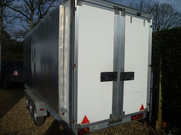 Rear loading doors