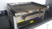 Buffalo griddle, fully refurbished inside and out. Has a new thermostat and element
