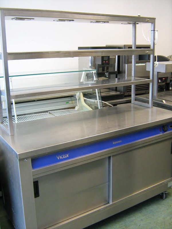 Hot Cupboard With Heated Overhead Gantry