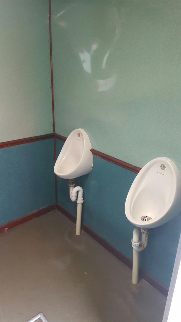 DBS 2+2 Mens Urinals