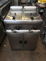 Lincat Free Standing Double Electric Fryer J18