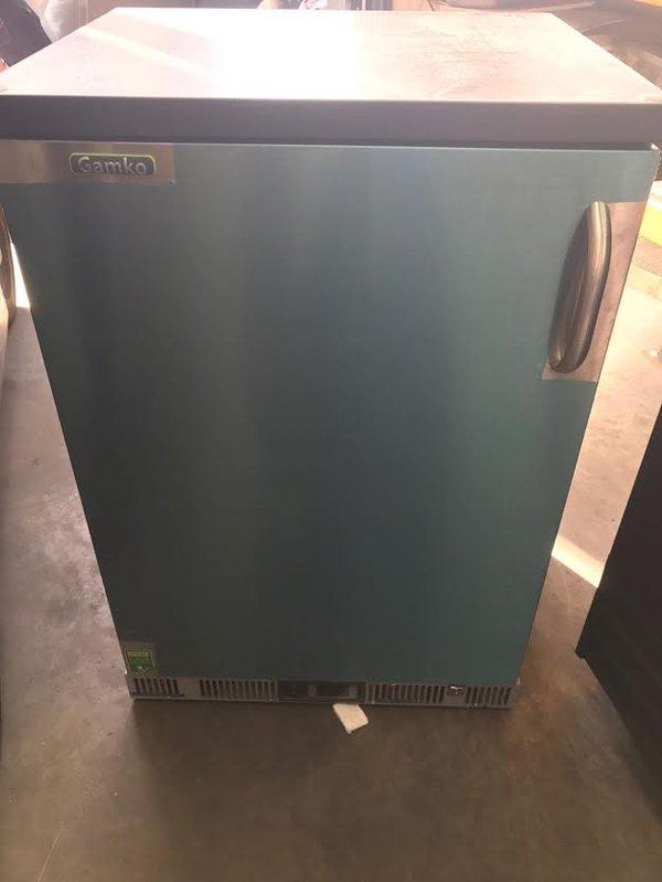 Single Door Black Bar Bottle Cooler
