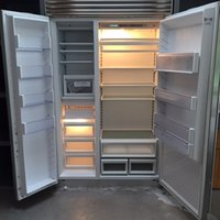 SUB-ZERO Side by Side Refrigerator / Freezer Model 632 48'' wide / Stainless Steel
