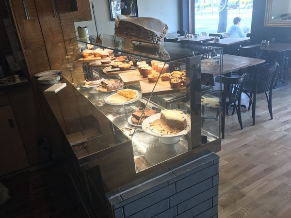 Patisserie Serve Over Counter
