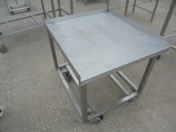 Stainless Steel Stand (5033)