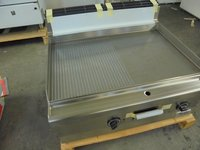 New Whirlpool AGB544 50/50 Griddle