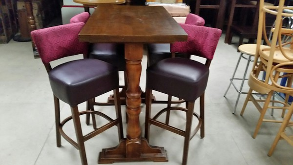 2 high tables with stools - Derby