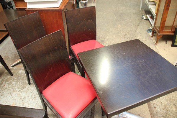 Quality Cafe Tables And Chairs