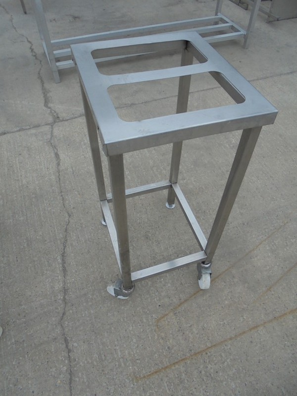 Stainless Steel Stand (5296)