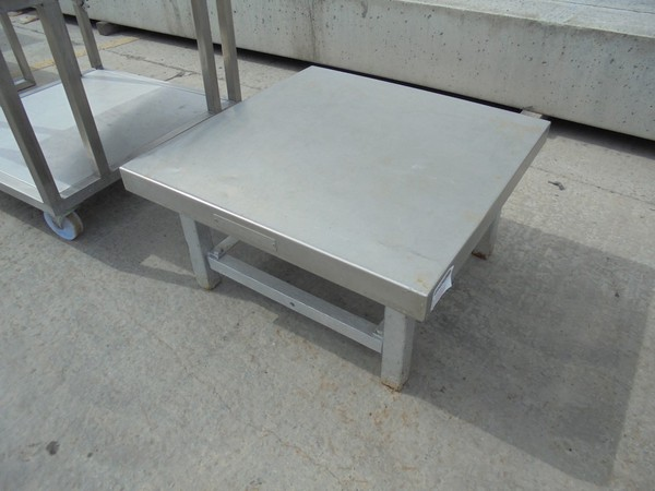 Stainless Steel Stand (5302)
