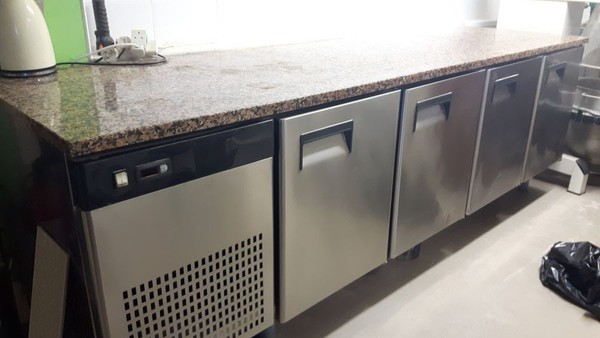 Refrigerated Table 4 Doors