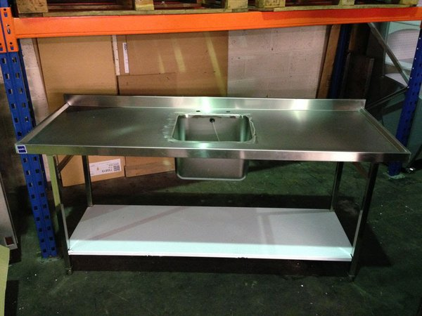Single sink with double drainer