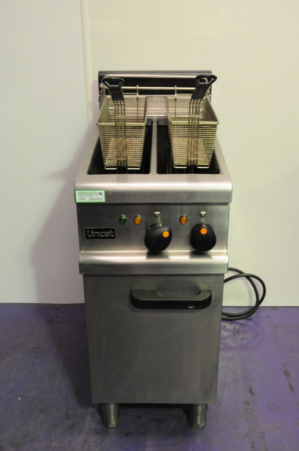 Twin tank electric fryer
