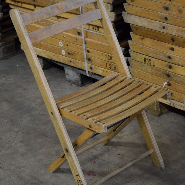500x Vintage Wooden Folding Chairs