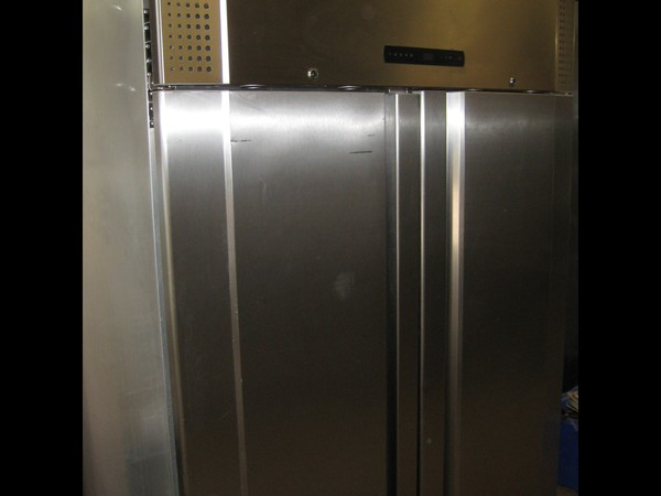 Gram Commercial Double Door Freezer