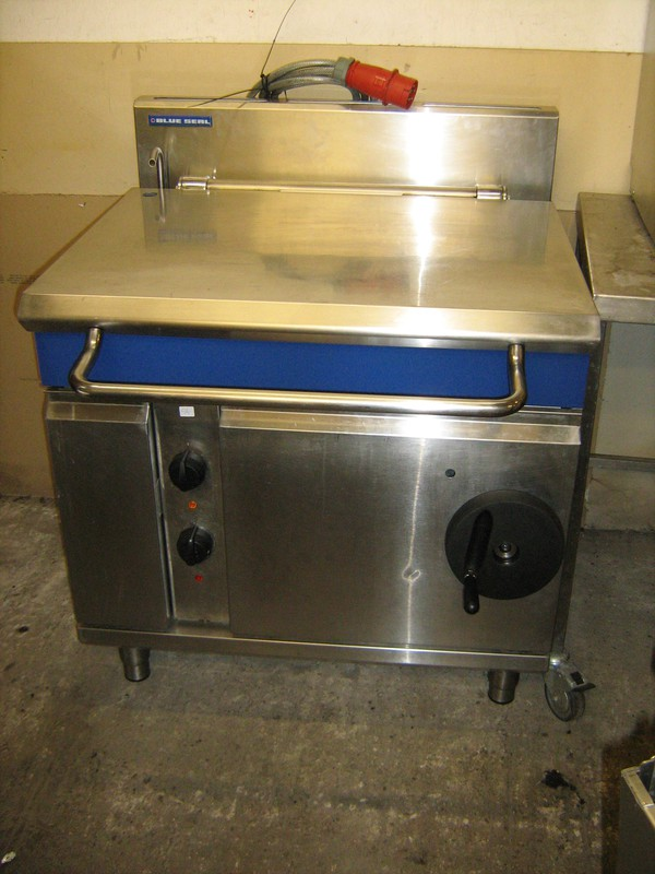 Blue Seal E580-8 Electric Bratt Pan