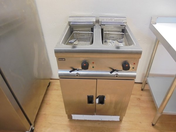New Lincat Freestanding Double Well Fryer