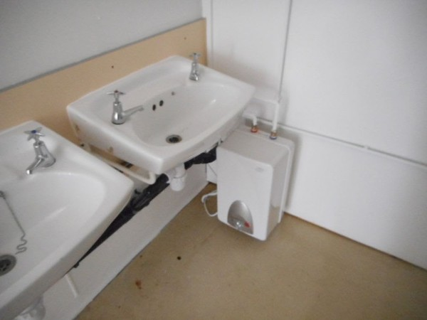 7 + 2 inc 4 Urinals Anti Vandal Toilet Block