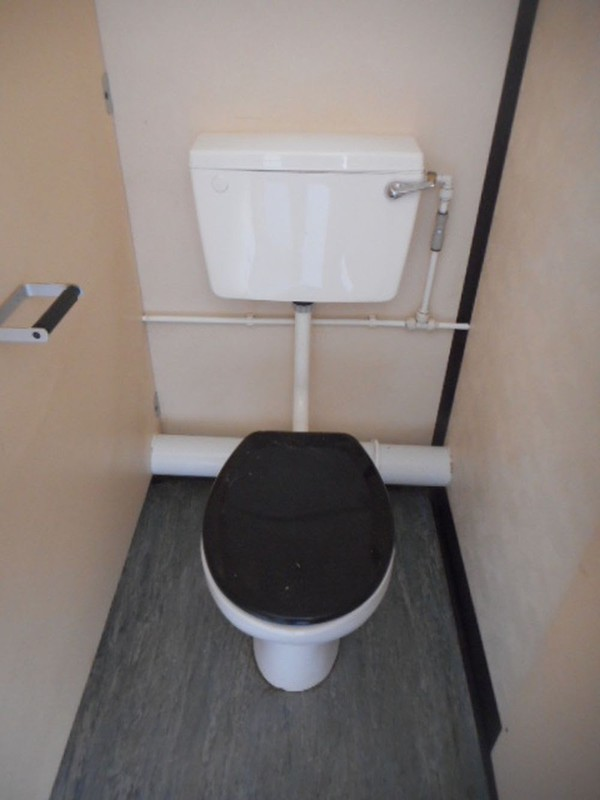 32' x 10' Anti Vandal 4 + 3 Toilet Block Professional Conversion