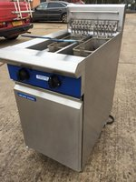 Blue Seal E44 Twin Pot Electric Fryer 2 x Baskets, Serviced - Kent
